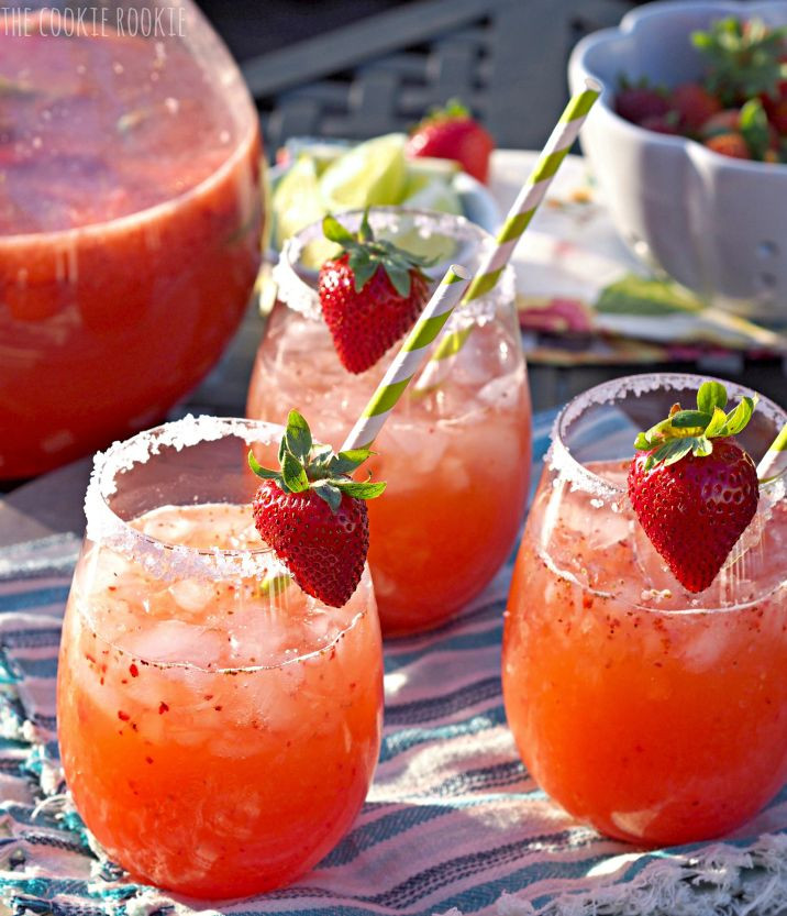 Summer Vodka Drinks For A Crowd  Strawberry Margarita Punch The best party drink for a