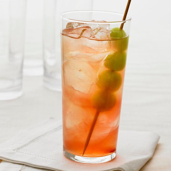 Summer Vodka Drinks  5 Super Refreshing Summer Vodka Cocktails to Make Now