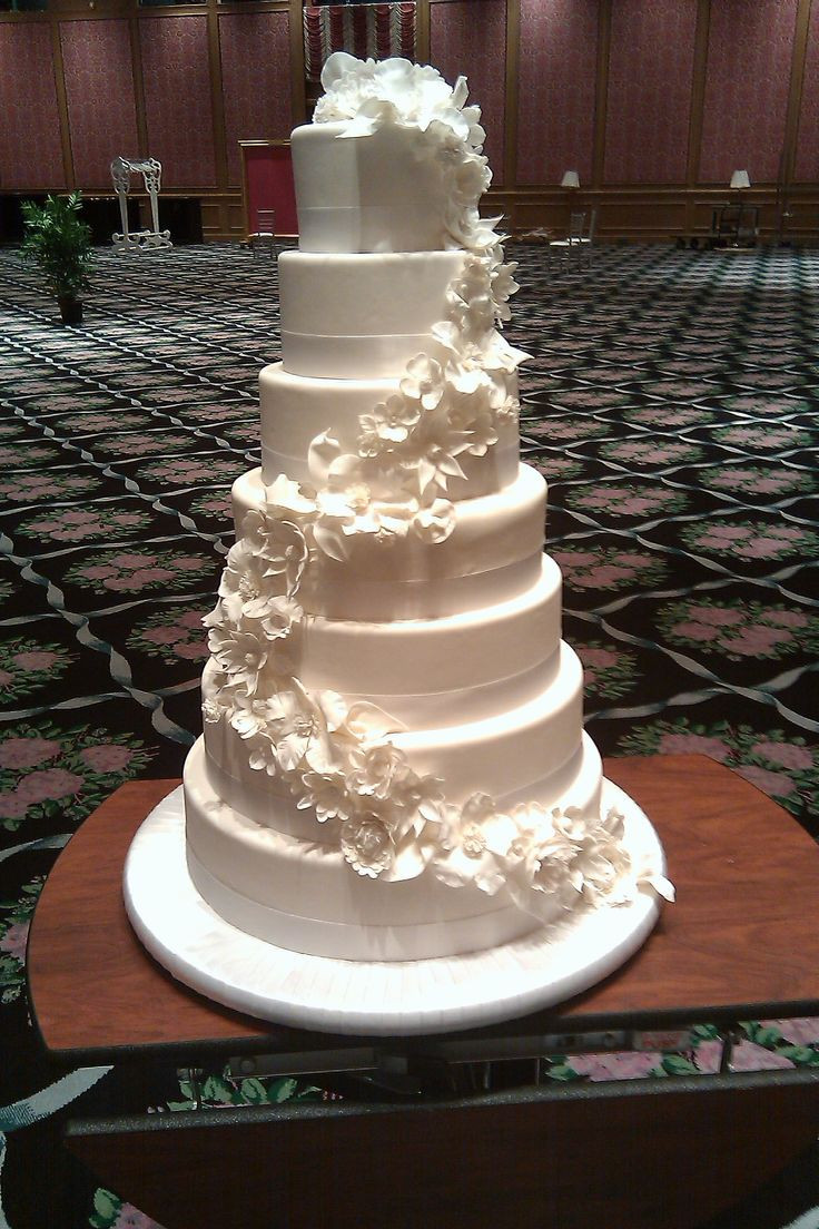 Summer Wedding Cakes  Pinterest Discover and save creative ideas