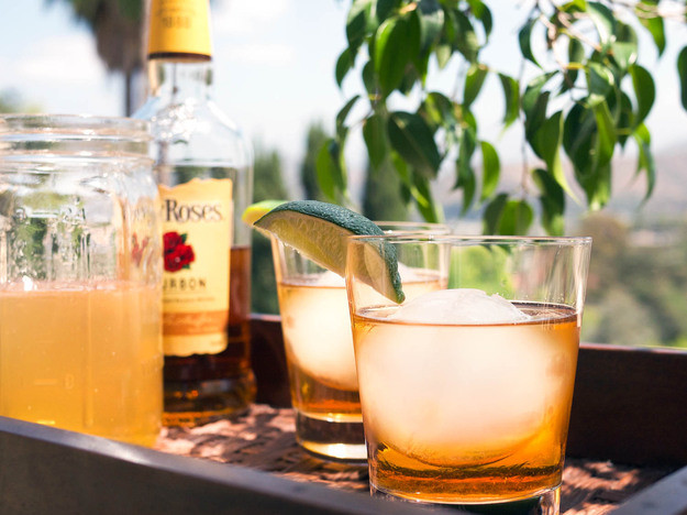 Summer Whiskey Drinks  This Bourbon Punch Is Summer Ready