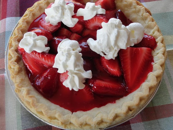 Summertime Pie Recipes  Summertime Strawberry Pie Recipe