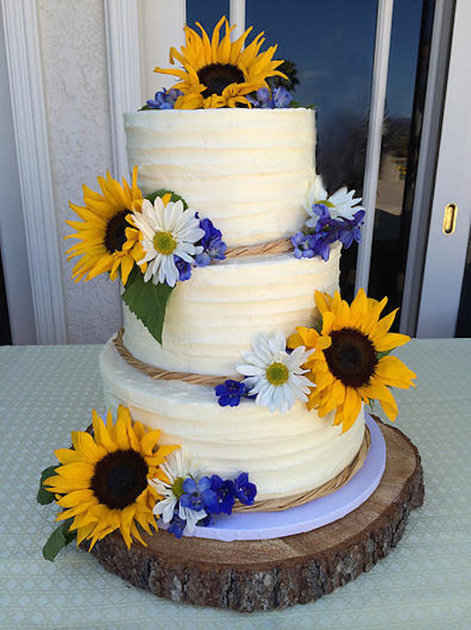 Sunflower Wedding Cakes  121 Amazing Wedding Cake Ideas You Will Love • Cool Crafts