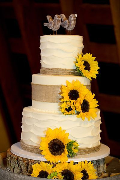 Sunflower Wedding Cakes  Cool Wedding Cakes for the Rustic Wedding Crave Du Jour