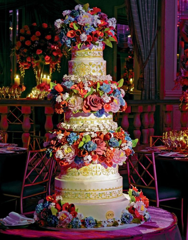 Sylvia Weinstock Wedding Cakes  25 Delightful Wedding Cakes with Cascading Florals