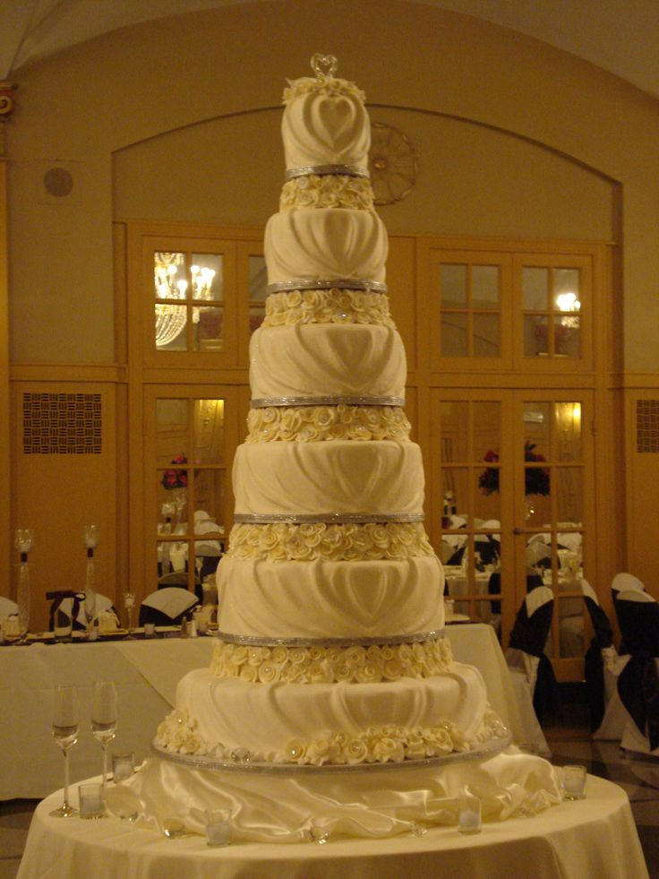 Tall Wedding Cakes  71 best images about Tall Wedding Cakes on Pinterest
