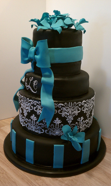 Teal And White Wedding Cake  Black white and teal wedding cake