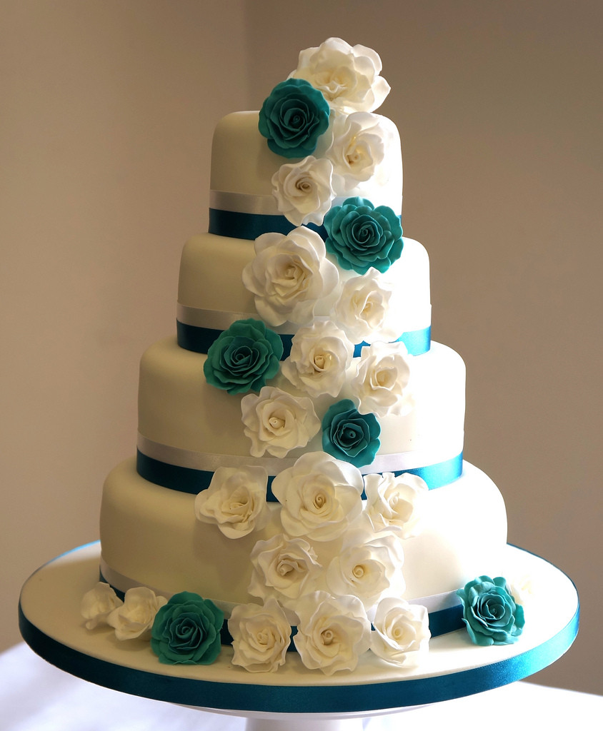 Teal And White Wedding Cakes  Teal and white roses wedding cake