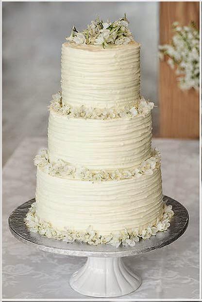 Textured Wedding Cakes  Delana s Cakes Textured Icing Wedding Cake with fresh flowers