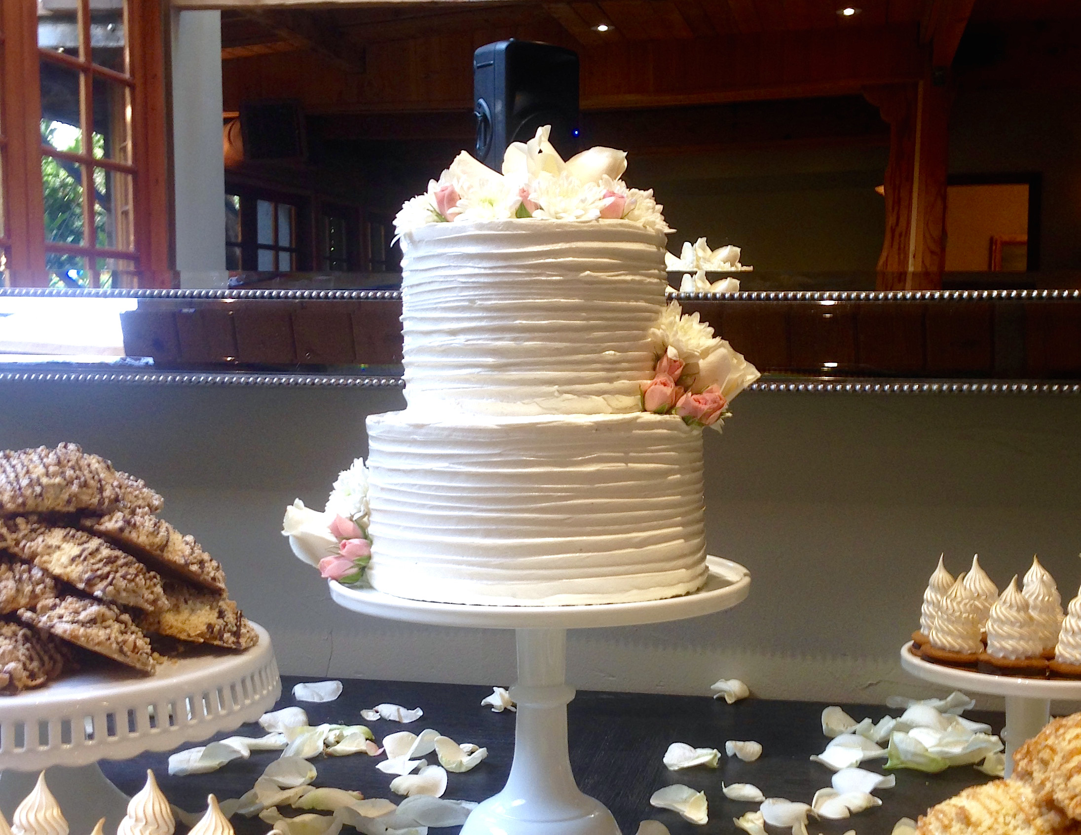 The Best Wedding Cakes  Best Places For Wedding Cakes In Los Angeles CBS Los Angeles