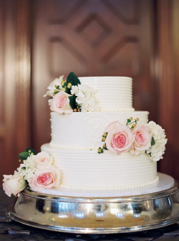 Three Tear Wedding Cakes  Three Tier Wedding Cake Elizabeth Anne Designs The
