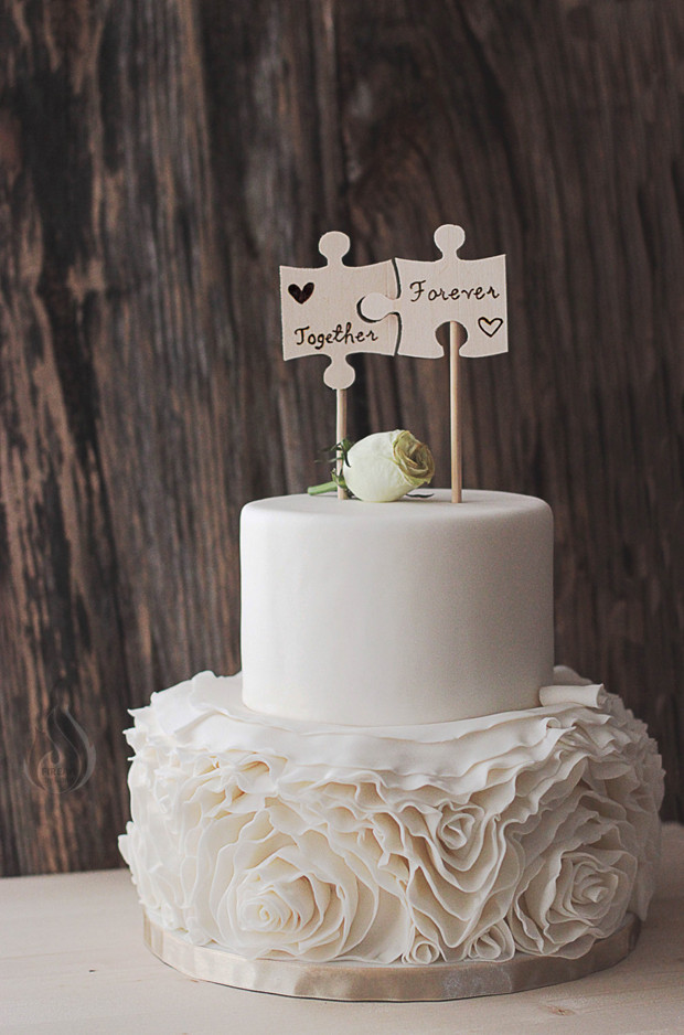 Top Of Wedding Cakes  21 Creative Wedding Cake Toppers for the Romantics