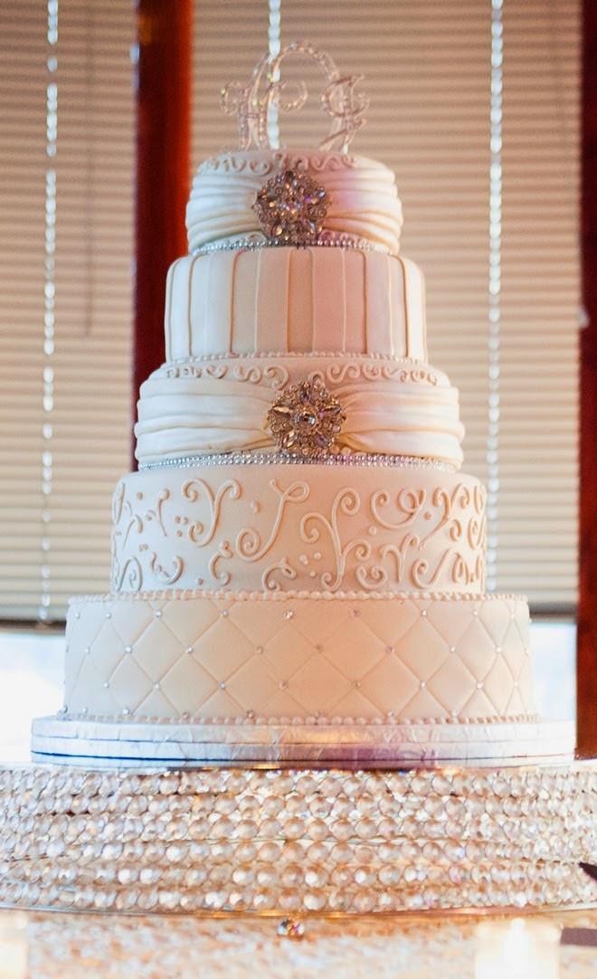 Top Of Wedding Cakes  Best Wedding Cakes of 2014 Belle The Magazine