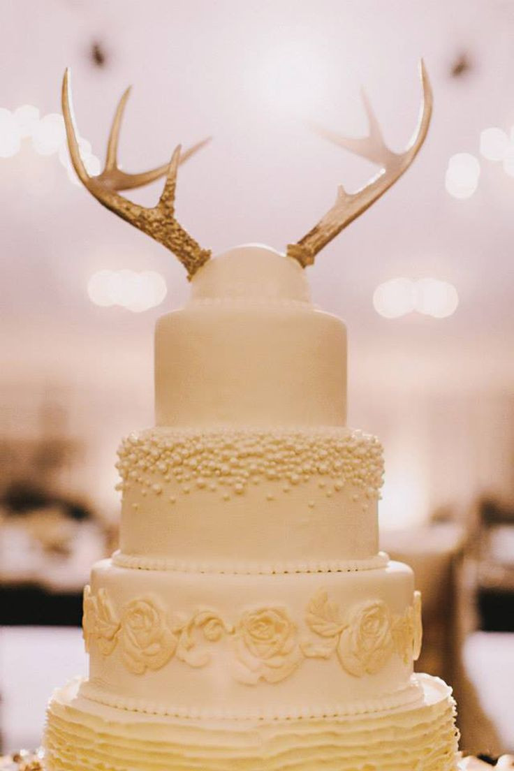 Toppers For Wedding Cakes  15 Awesome Ideas for Wedding Cake Toppers
