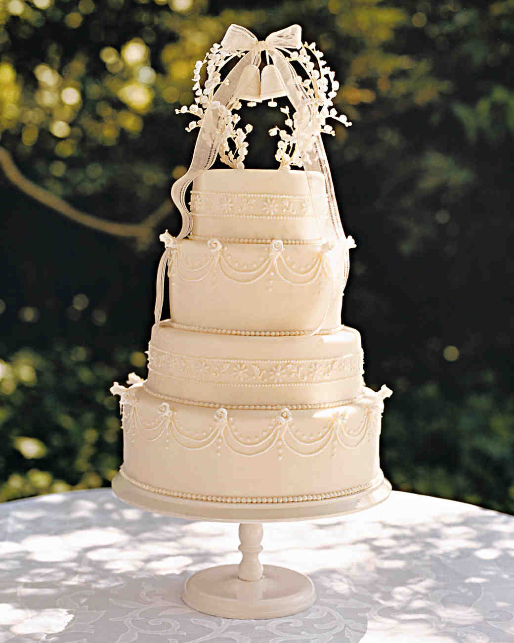 Toppers For Wedding Cakes  36 of the Best Wedding Cake Toppers