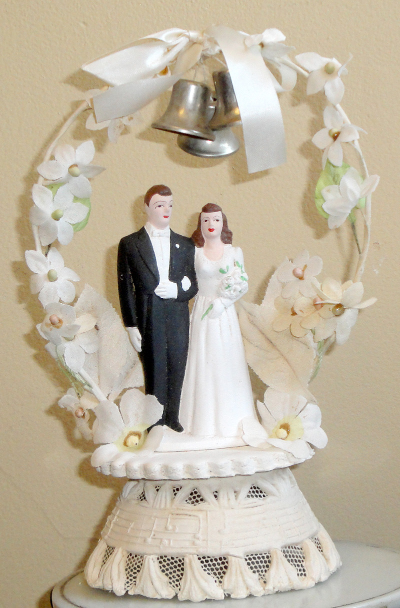 Toppers For Wedding Cakes  Vintage Style Wedding Cake Toppers