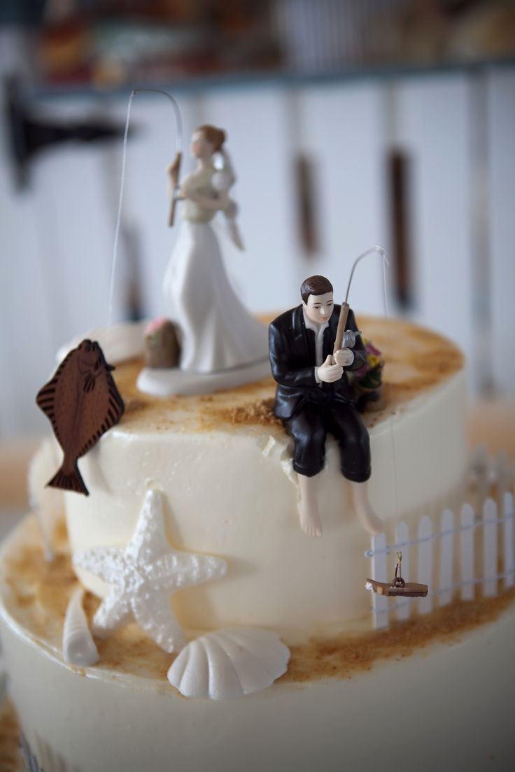 Tops Of Wedding Cakes  10 ways to find best Wedding cake toppers idea in 2017