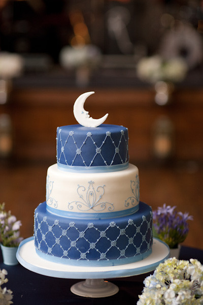 """Toronto Wedding Cakes  A Whimsical """"Paper Moon"""" Inspired Wedding In Toronto"""