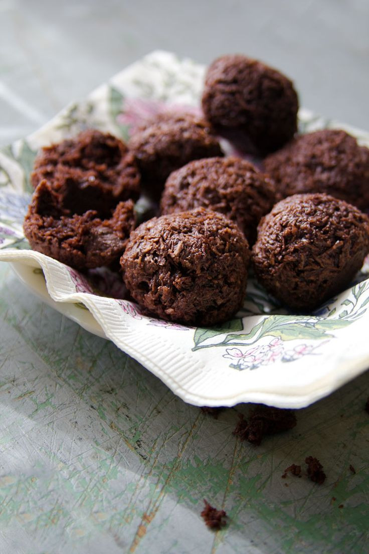 Traditional Passover Desserts  Double Chocolate Macaroons
