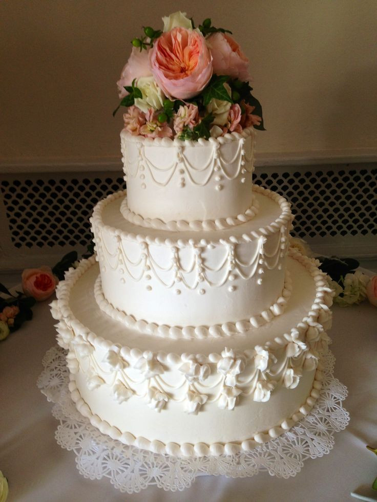 Traditional Wedding Cake Recipe  Best 25 Traditional wedding cakes ideas only on Pinterest
