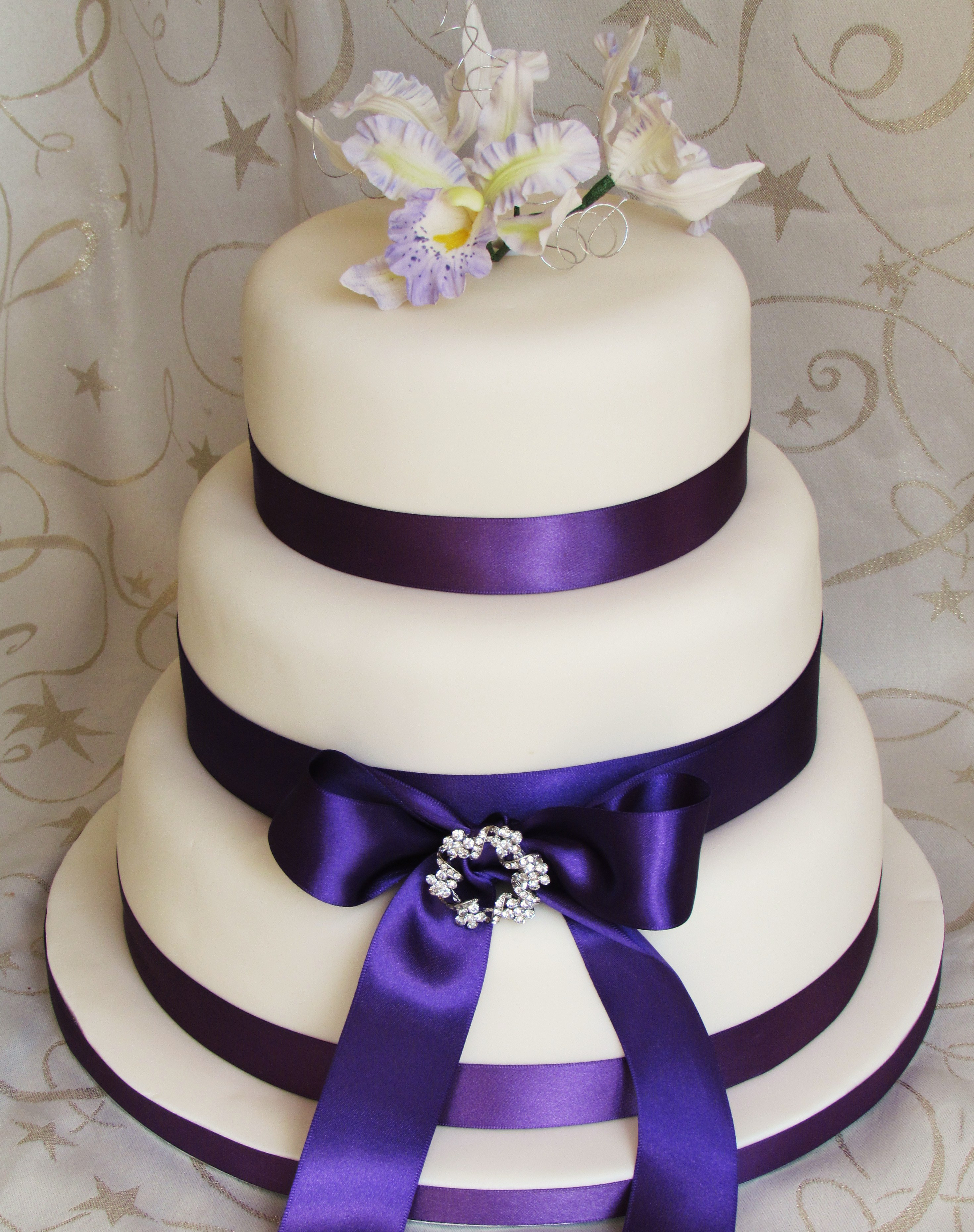Traditional Wedding Cakes  Traditional wedding cakes prices idea in 2017