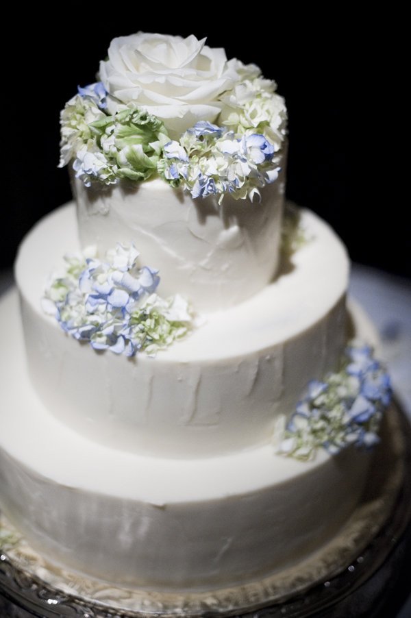 Traditional Wedding Cakes Pictures  Simple Chic Wedding Cakes We Love
