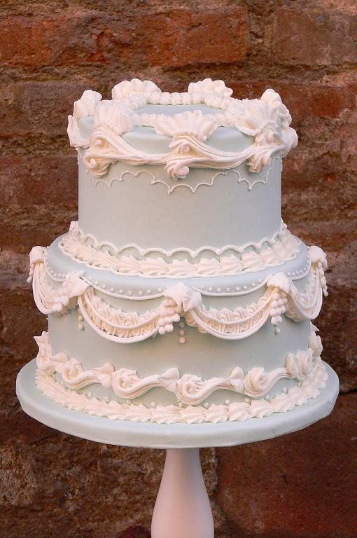 Traditional Wedding Cakes  Traditional Wedding Cake Designs 6 Show Stopping Cakes