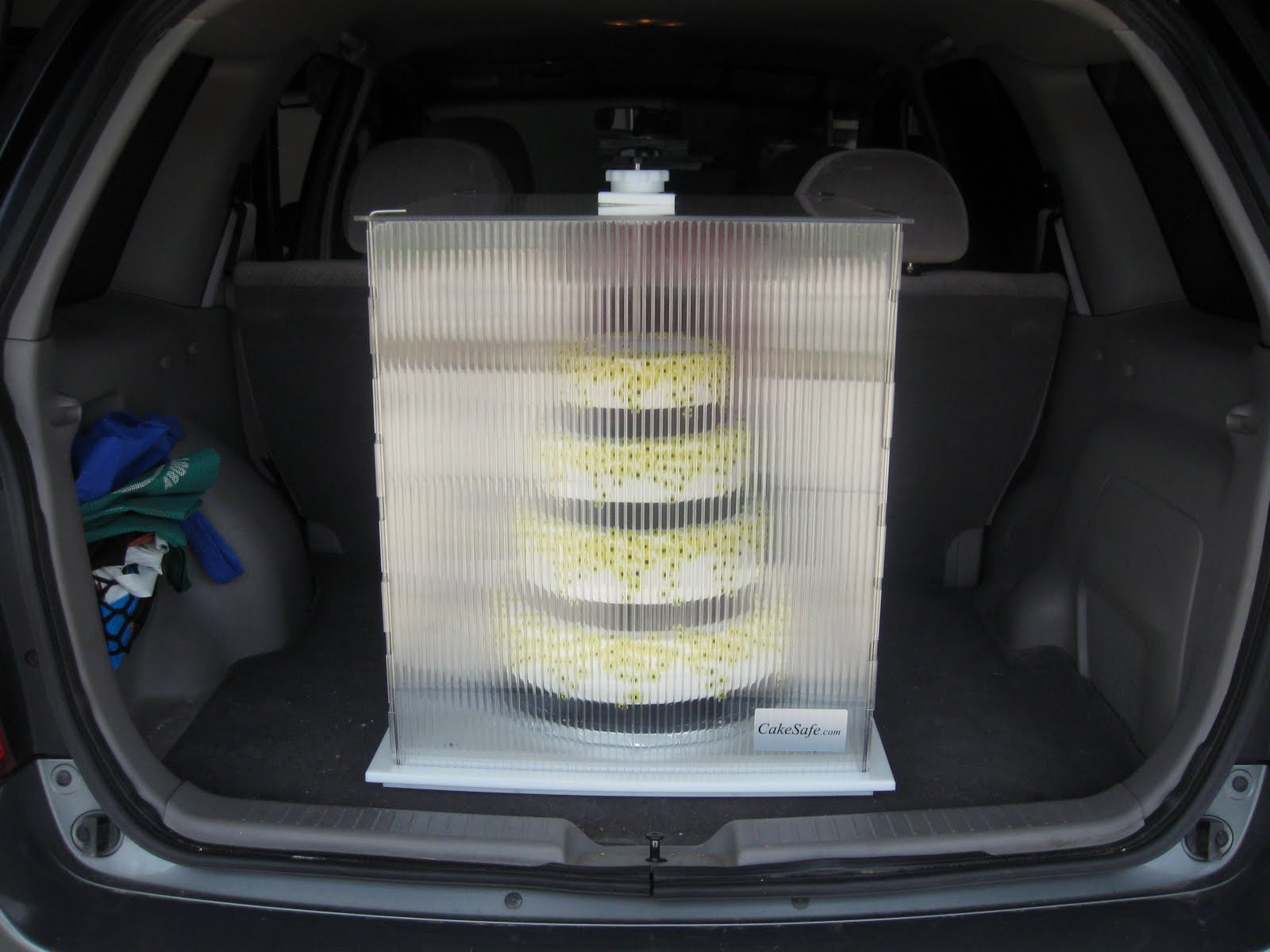 Transporting Wedding Cakes  ICING ON THE EDGE Wedding transport system