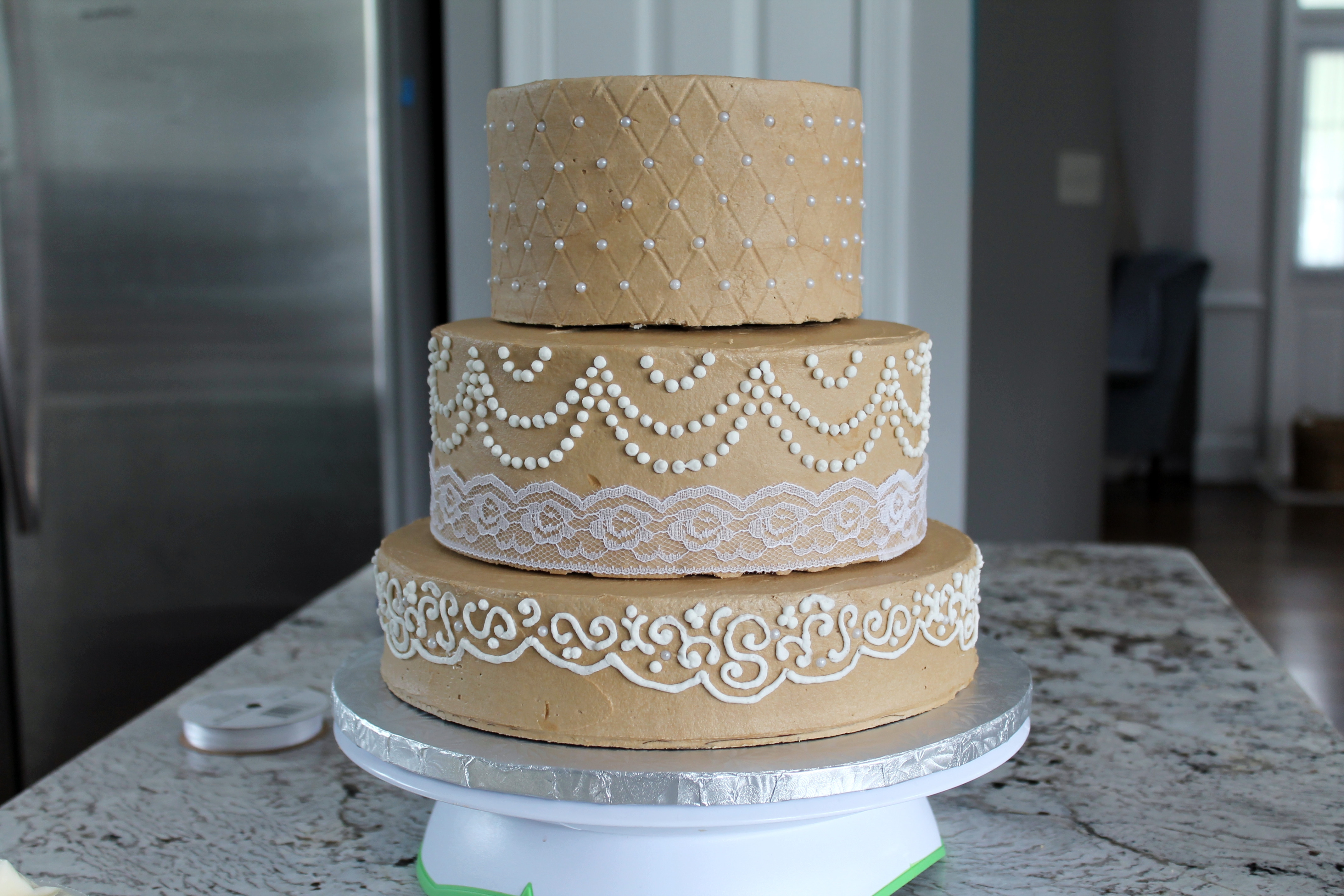 Transporting Wedding Cakes  How to Transport a Tiered Wedding Cake – Savored Grace