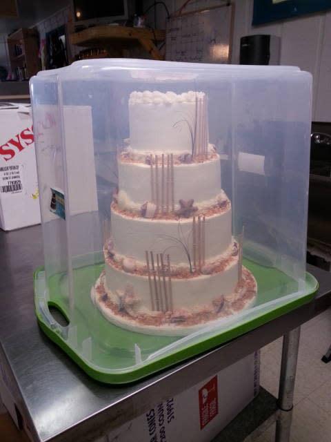 Transporting Wedding Cakes  Quick Tip CakesDecor