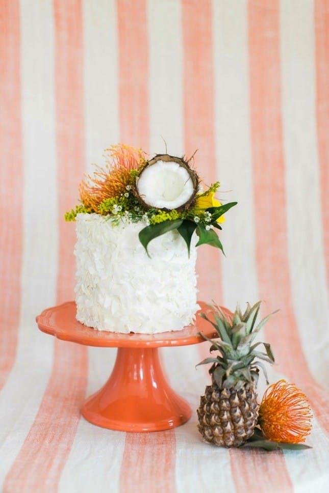 Tropical Wedding Cakes  17 Tropical Wedding Cakes Perfect for Summer Weddings