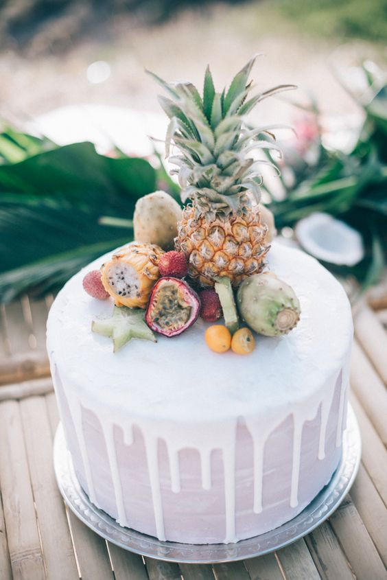 Tropical Wedding Cakes  33 Beautiful And Yummy Tropical Wedding Cakes Weddingomania