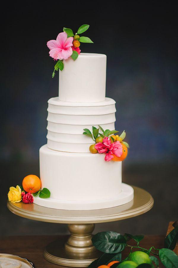 Tropical Wedding Cakes  A Tropical Wedding Theme Arabia Weddings