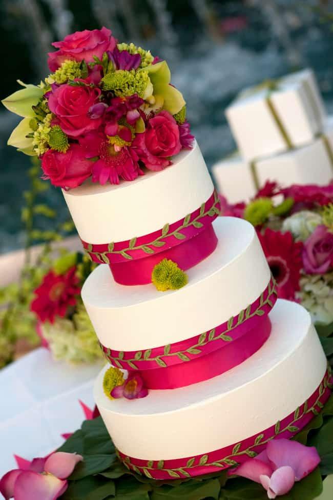 Tropical Wedding Cakes  Tropical Beach Wedding Cakes too Beautiful to Eat