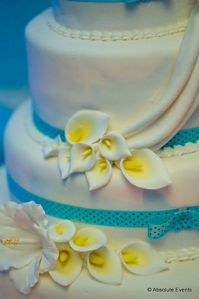 Turquoise And Yellow Wedding Cakes  Wedding cake with yellow and turquoise theme Crystal