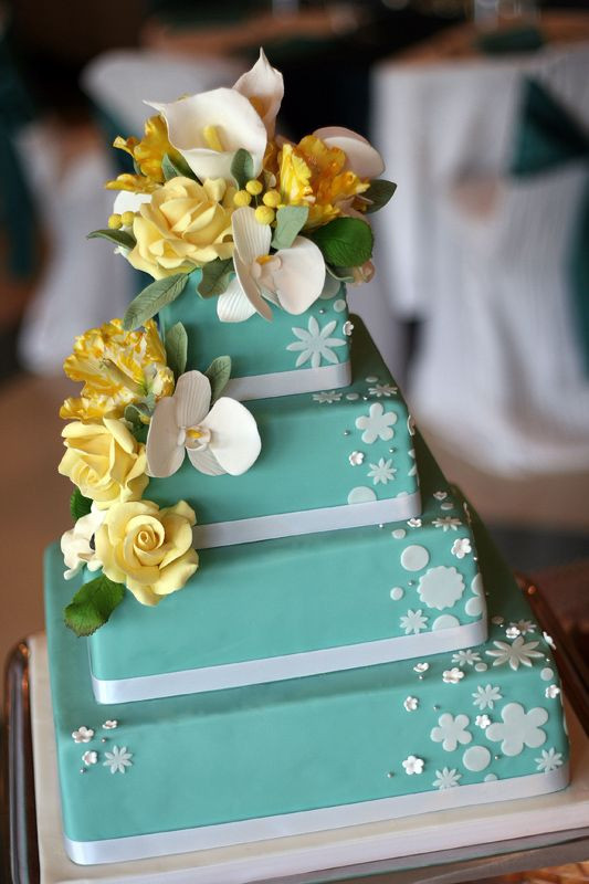 Turquoise And Yellow Wedding Cakes  Tari s blog The color is the David 39s Bridal turquoise
