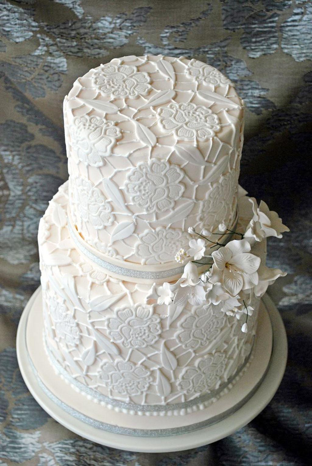 Two Layered Wedding Cakes  Double Layer Wedding Cake Pic 6 Wedding Cake Cake Ideas