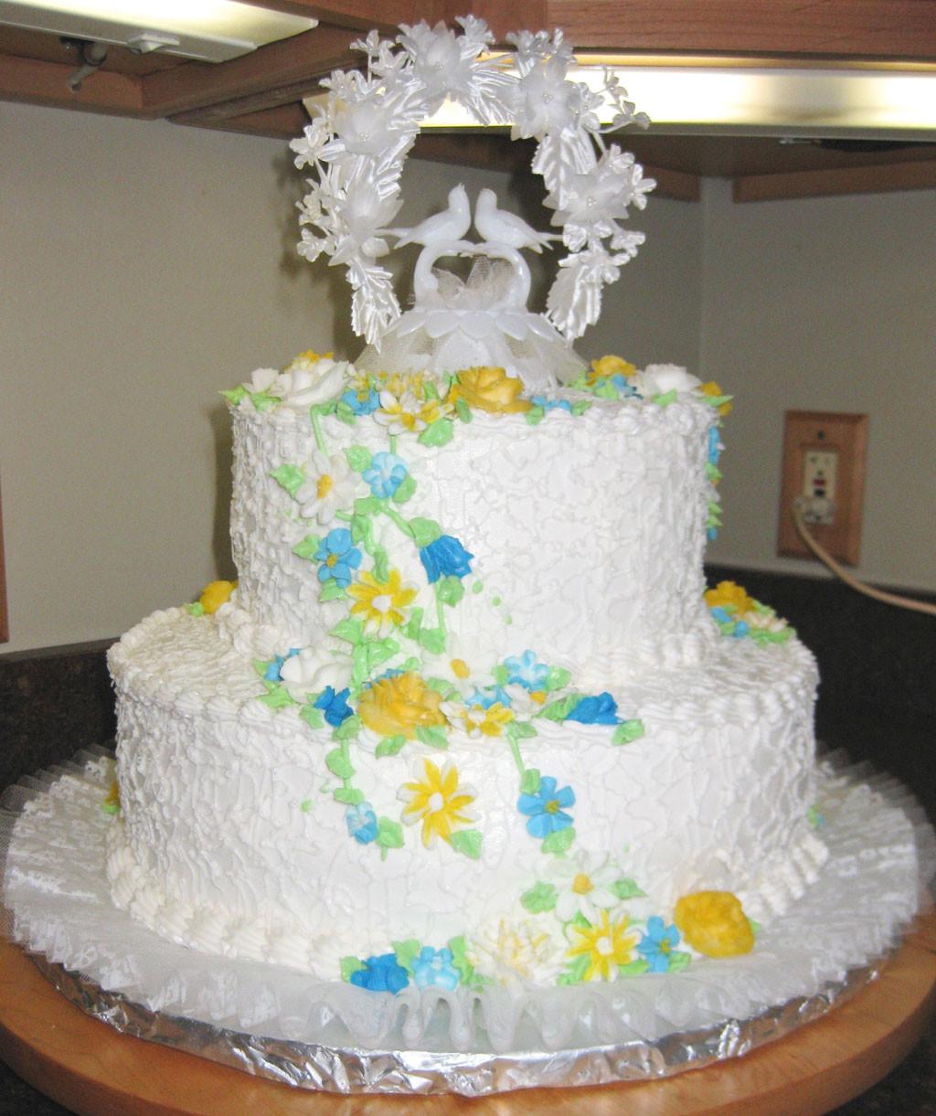 Two Layered Wedding Cakes  Double Layer Wedding Cake Pic 3 Wedding Cake Cake Ideas
