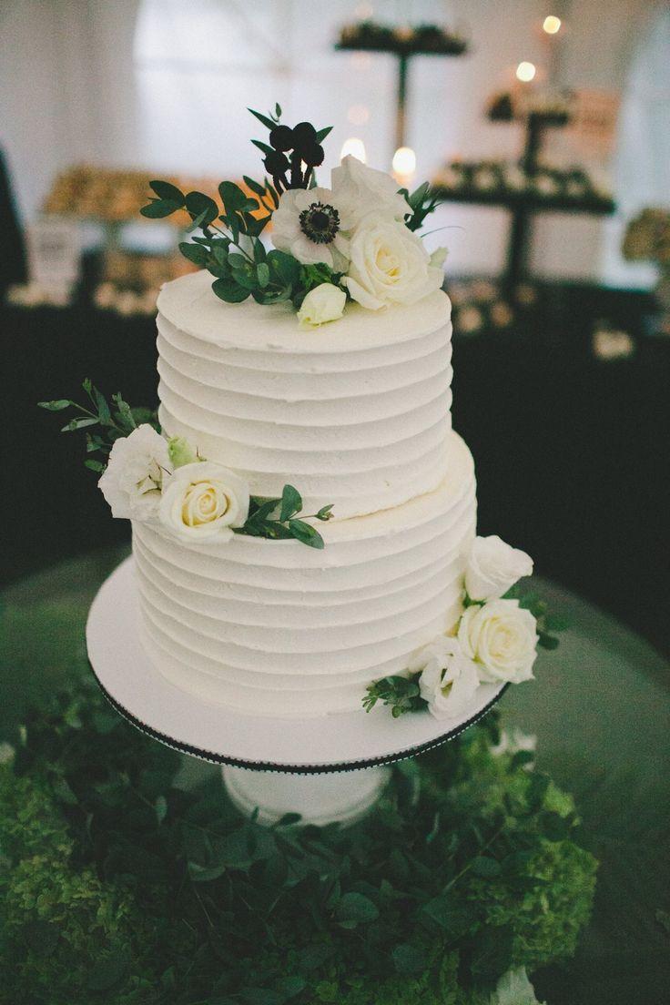 Two Layered Wedding Cakes  35 besten Hochzeitstorte Bilder auf Pinterest
