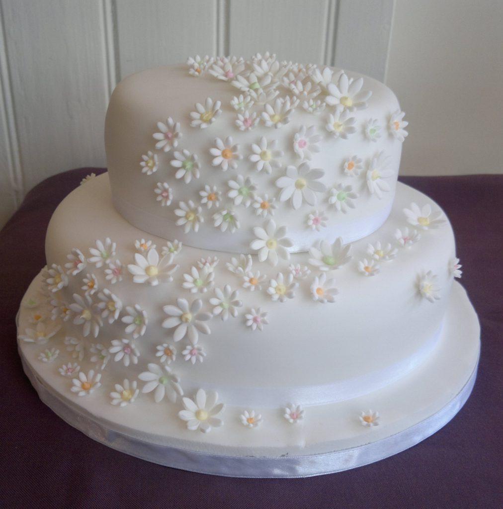 Two Tier Wedding Cakes  Two Tier Wedding Cakes Too Nice to Slice