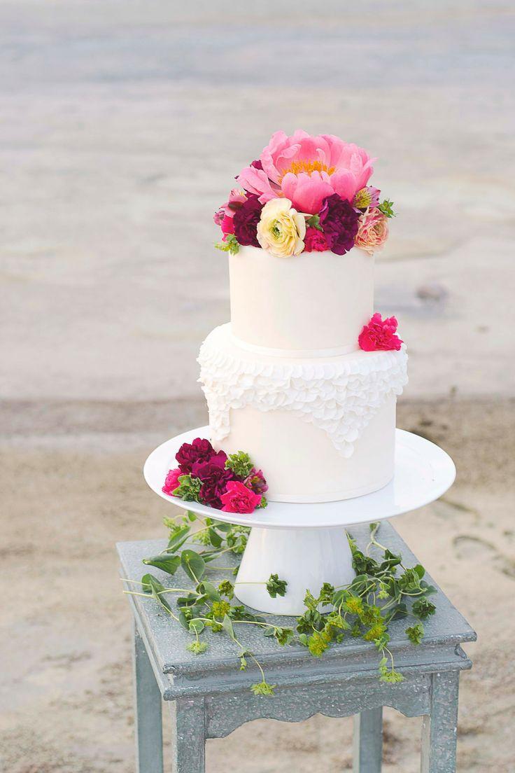 Two Tier Wedding Cakes  Delicious 2 tier Wedding Cake for Reception Ideas