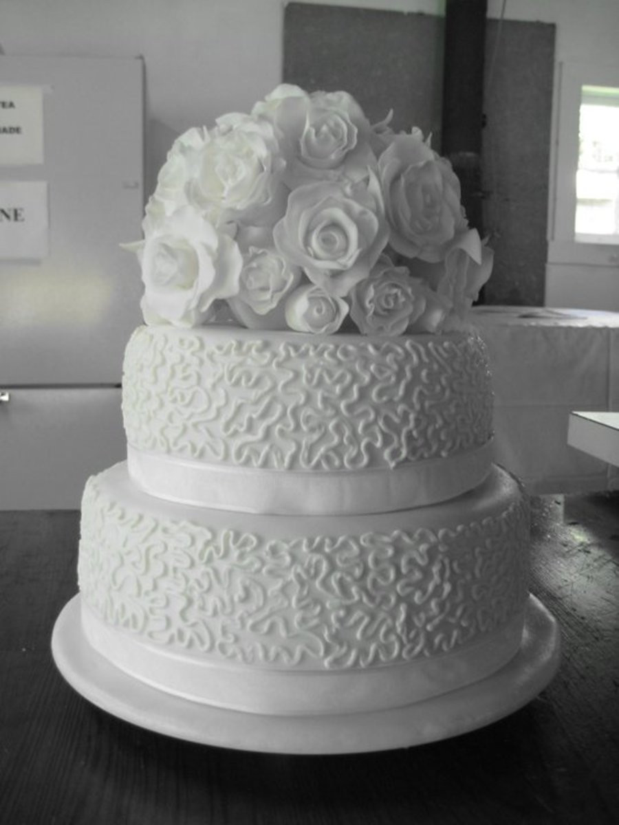 Two Tiered Wedding Cakes  Wedding Cake White Roses Two Tiered CakeCentral