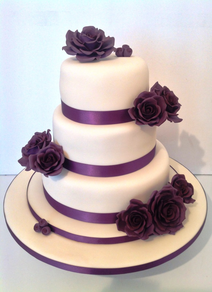 Types Of Wedding Cakes  White wedding cakes and other types of hand made wedding cakes