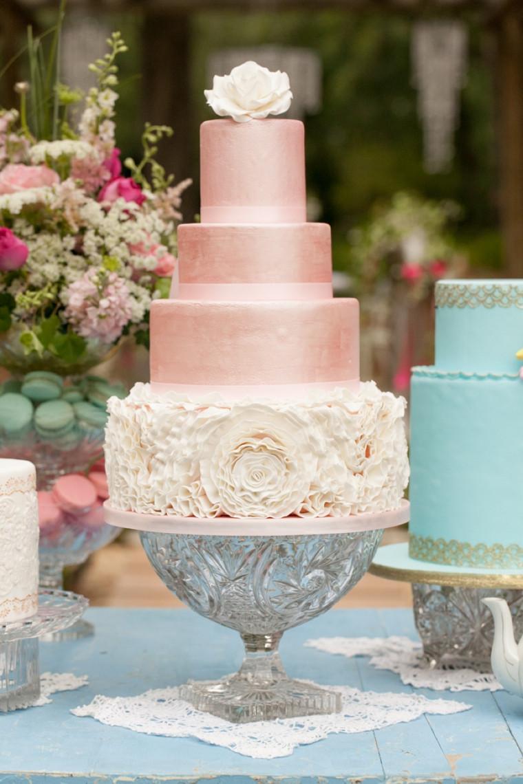 Unique Wedding Cakes Ideas  8 Unique Wedding Cake Ideas