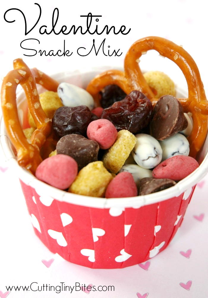 Valentine Healthy Snacks  Valentine Snack Mix