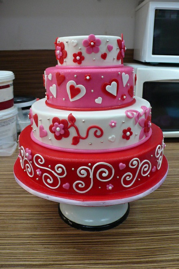 Valentine Wedding Cakes  Valentine's Day Cake And Cupcakes Themselves Make – Fresh