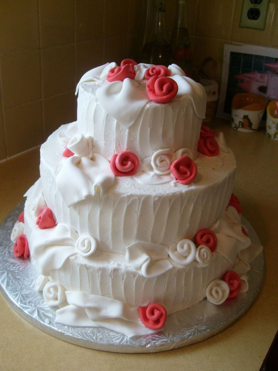 Valentines Wedding Cakes  Valentine Wedding Cake CakeCentral