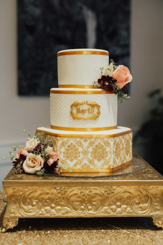 Vietnamese Wedding Cakes  An Elegant Vietnamese American Wedding The Falls Weddings
