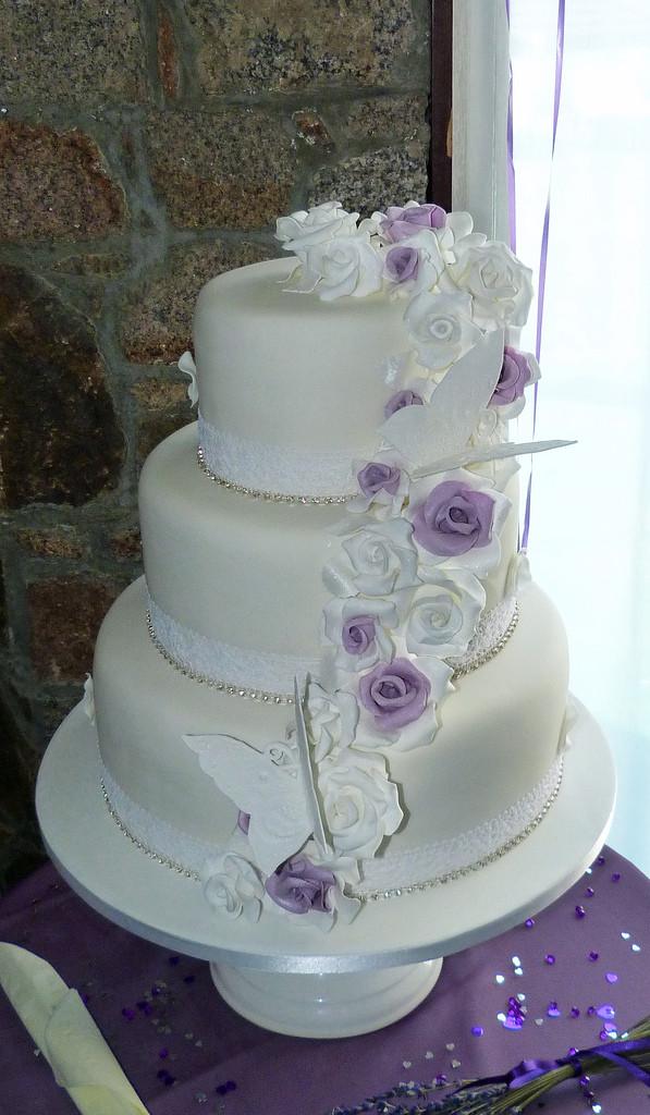Vintage Style Wedding Cakes  Vintage Style Wedding Cake
