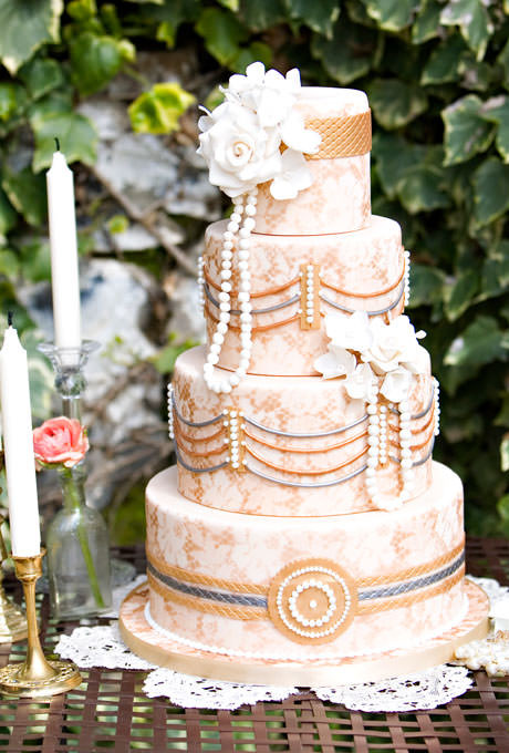 Vintage Style Wedding Cakes  3 Great Reasons to Choose a Vintage Themed Wedding
