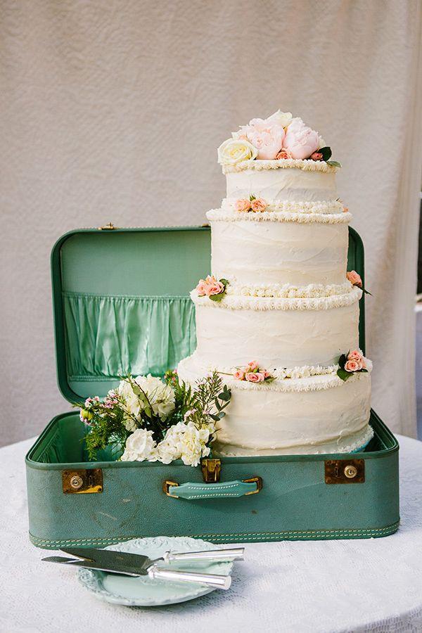 Vintage Wedding Cakes Ideas  20 Delightful Wedding Cake Ideas for the 1950s Loving